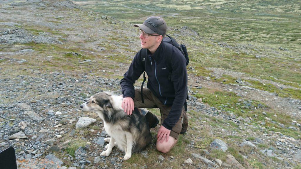 En bild med mig och en hund i norska fjällen