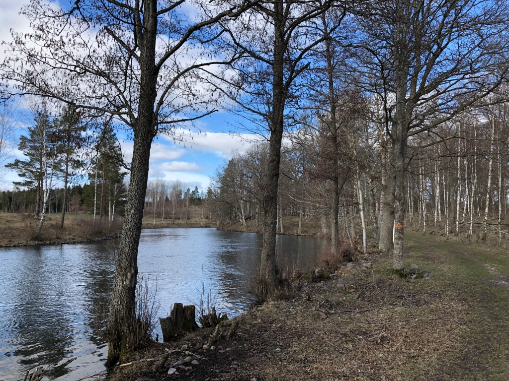 Bild från Östgötaleden längs med Kinda kanal.